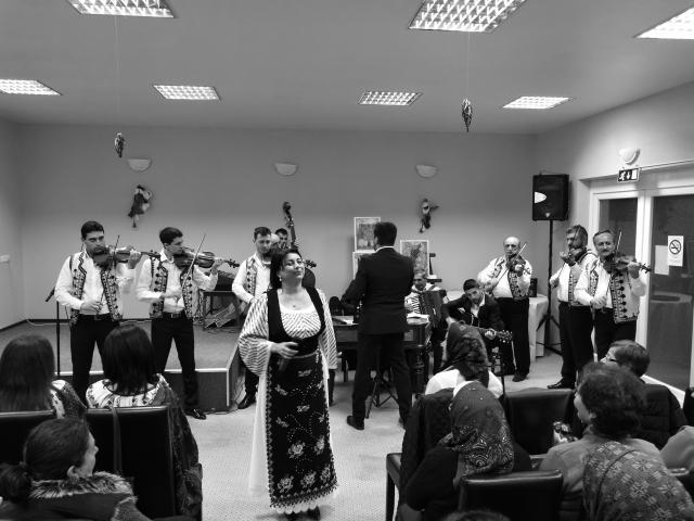 Spectacol folcloric Orchestra Populara